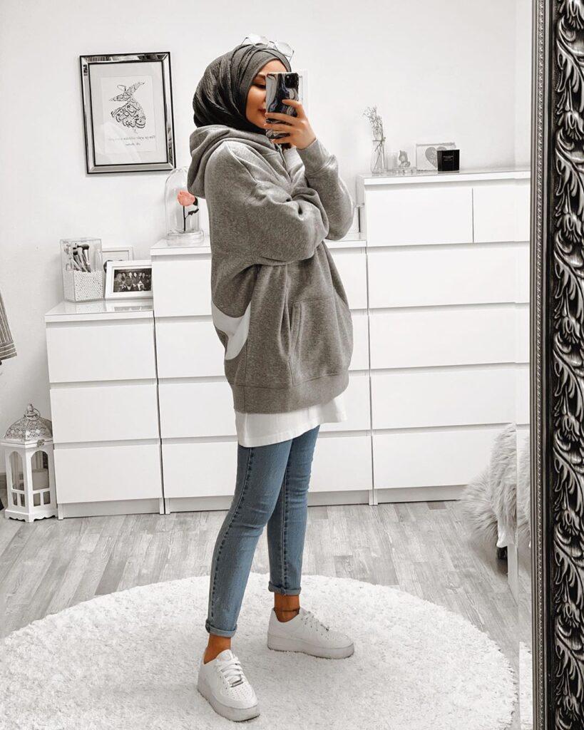 how to wear hoodie
